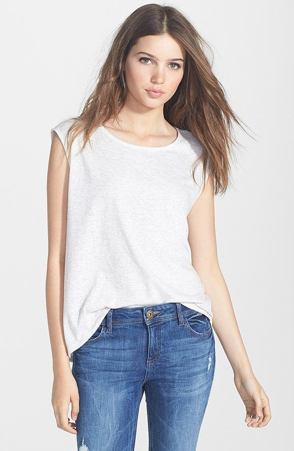 Rosie Huntington Whiteley 39 S Ripped Jeans Street Style Popsugar Fashion