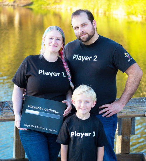 Pregnant? Announce It the Geeky Way!