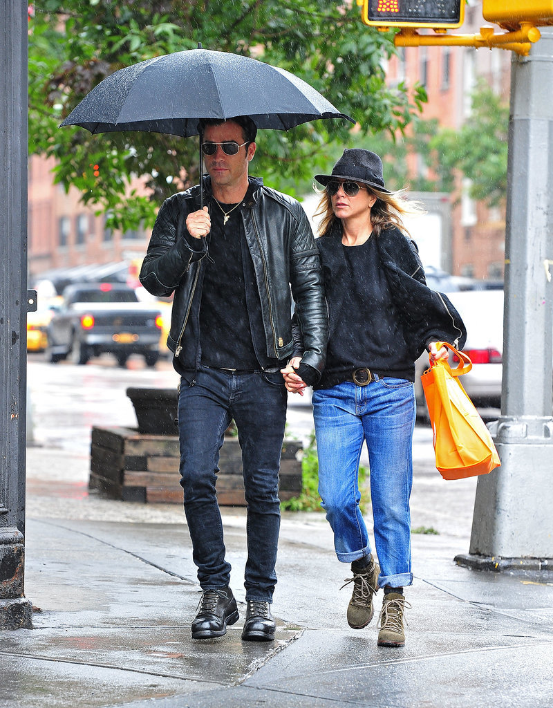 Another his and hers denim moment we love — Jennifer and Justin Theroux kept it cool and uncomplicated in black leather and everyday denim. Note: Jennifer even has the perfect-cut boyfriend jean.
