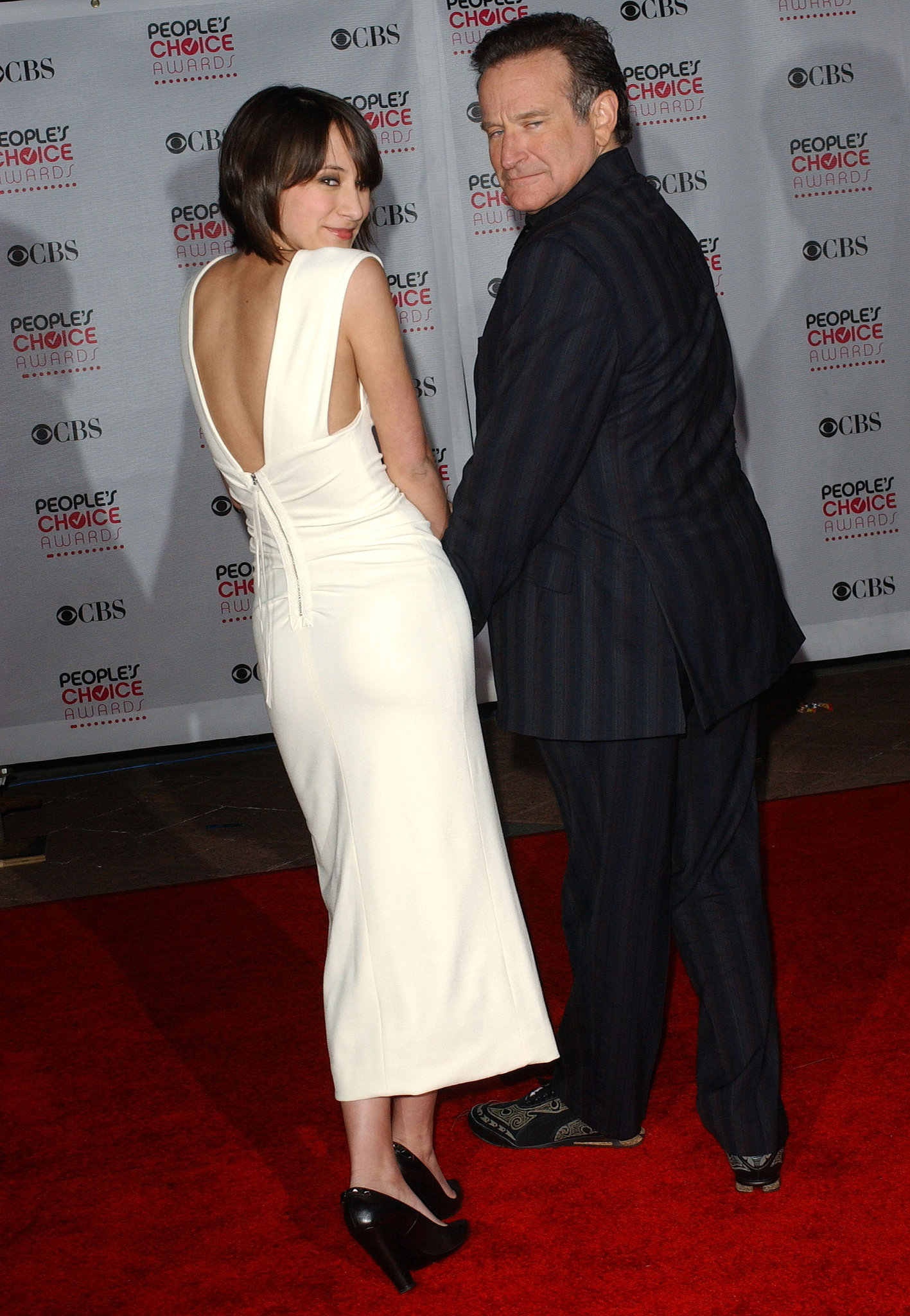 He and Zelda struck a silly pose at the People's Choice Awards in January 2007.