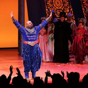 Aladdin Broadway Cast Tribute to Robin Williams   Video
