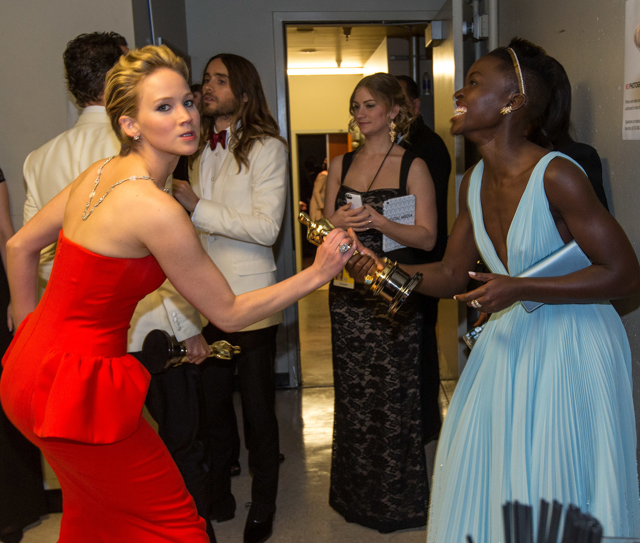 When She Lost to Lupita Nyong'o at the Oscars but Won With This Funny Snap