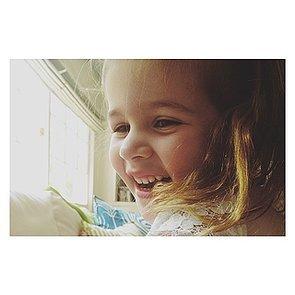 Harper-Smith-all-smiles-her-mom-Tiffani-Thiessen