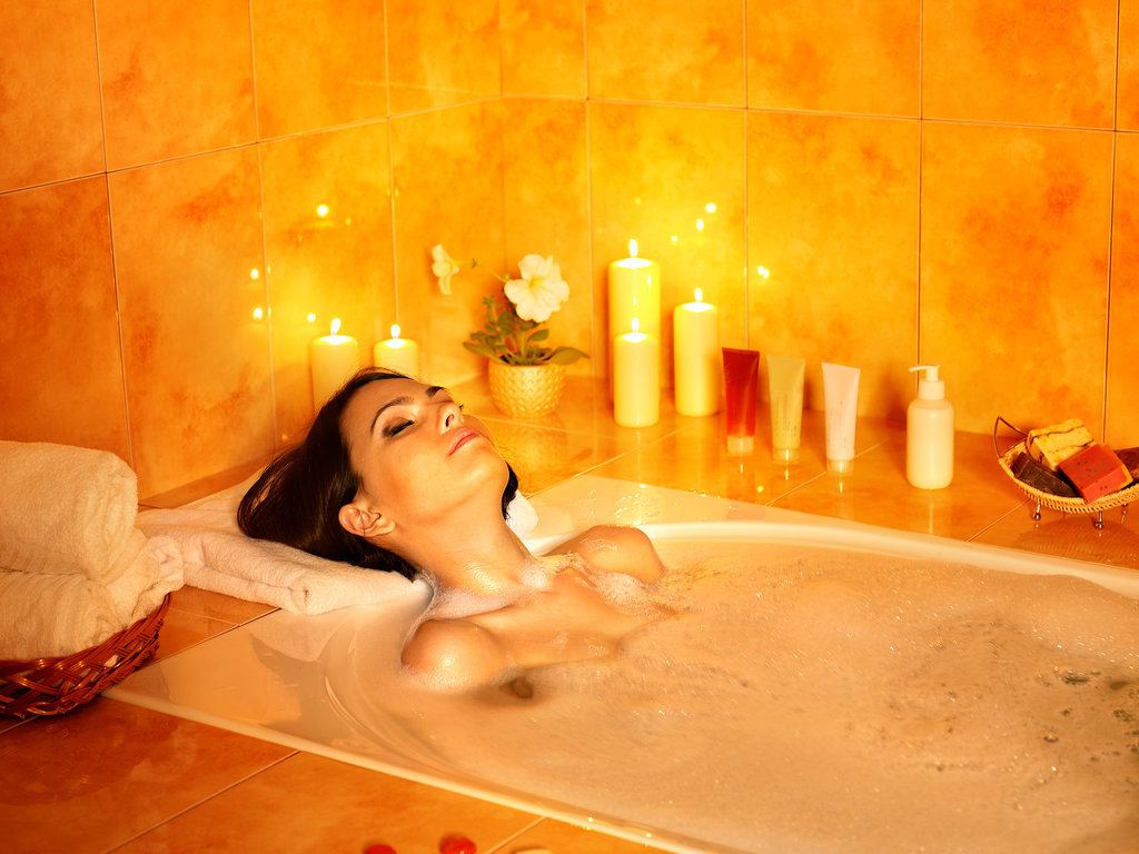 5 Relaxing DIY Spa Treatments to Have a Totally Zen Weekend
