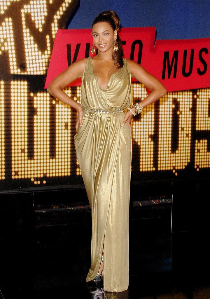 2007: Beyoncé walked the red carpet looking like a golden goddess.