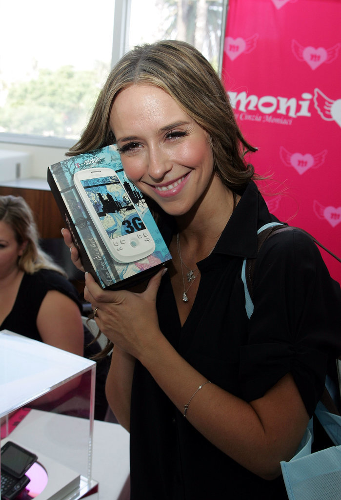 And finally, Jennifer Love Hewitt loved her T-Mobile phone so, so, so, so, soooo much.