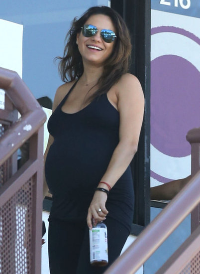 Mila Kunis Shows Off Her Baby Bump and Pregnancy Glow!