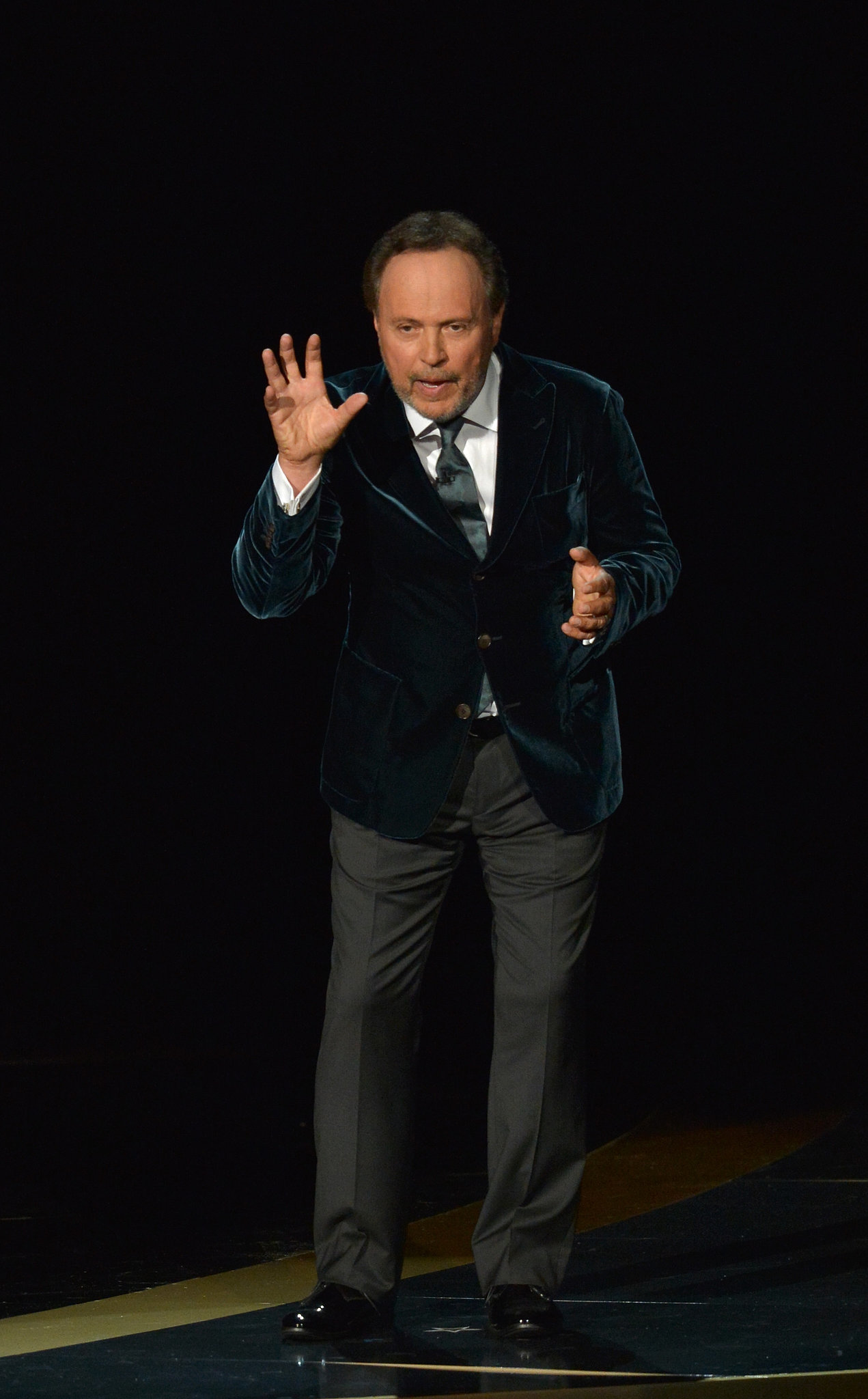 Billy Crystal paid a touching tribute to Robin Williams.