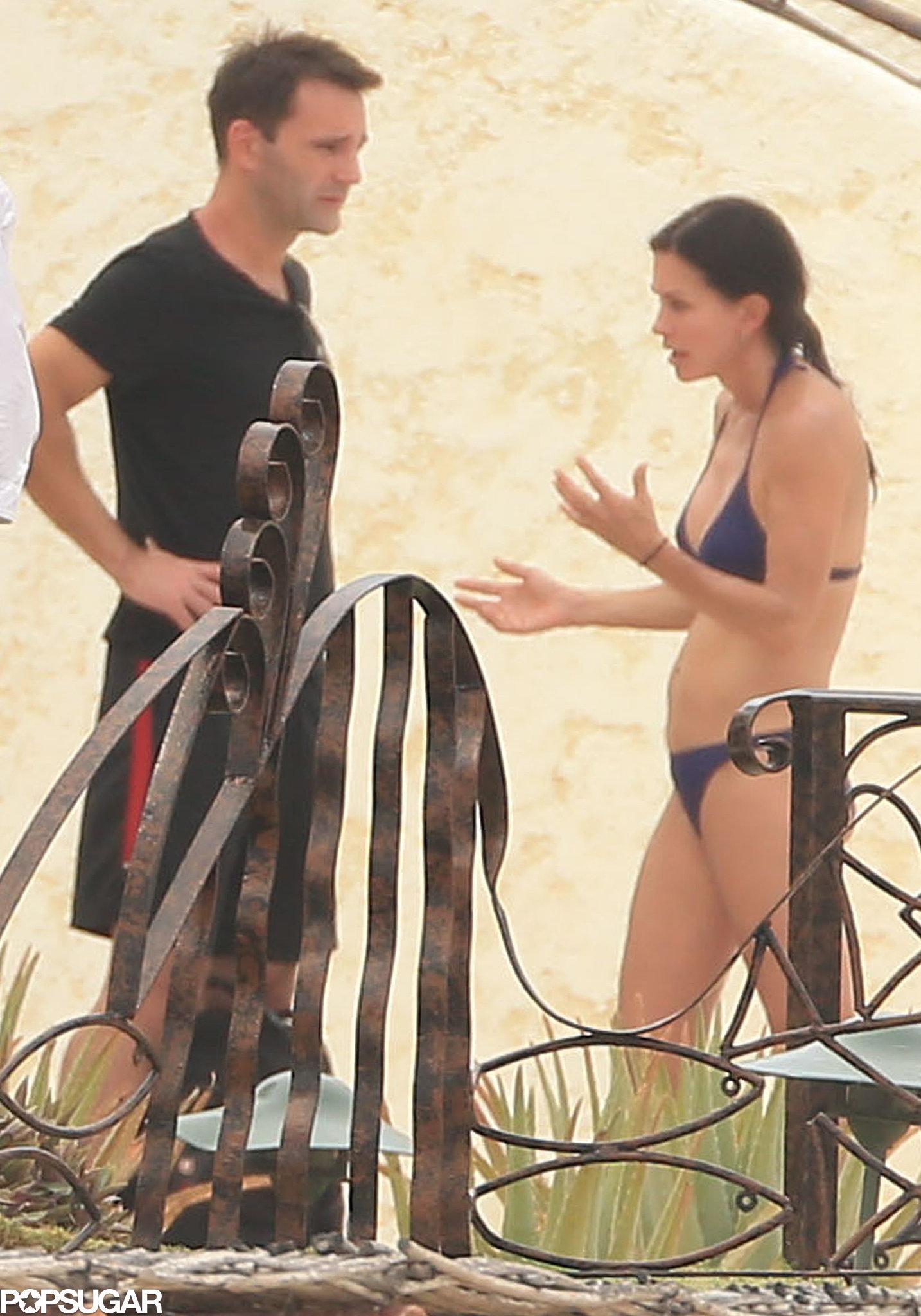 Courteney Cox Is Back in a Bikini and Still Looking Superhot
