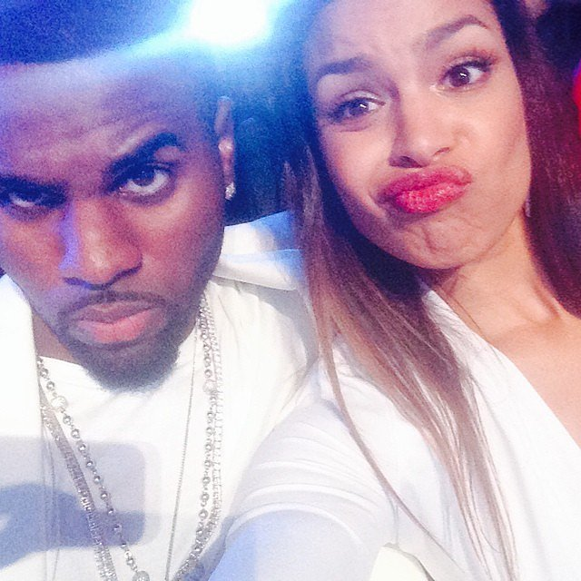 Jordin Sparks and Jason Derulo took a silly selfie in their seats.