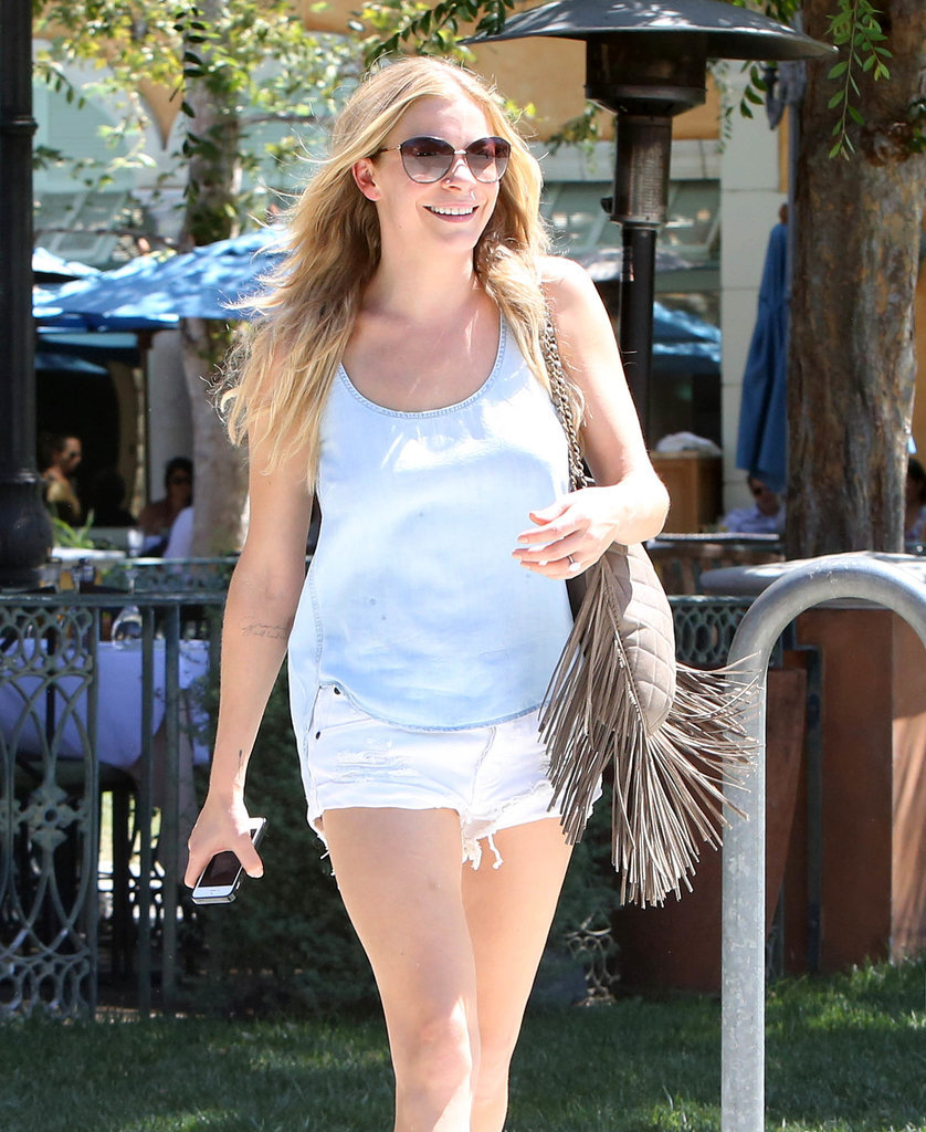 LeAnn Rimes had a big smile while running errands in Calabasas, CA, on Tuesday.