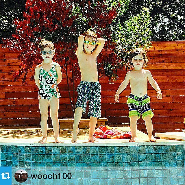 Harper Smith enjoyed some stylish pool time with her cousins.