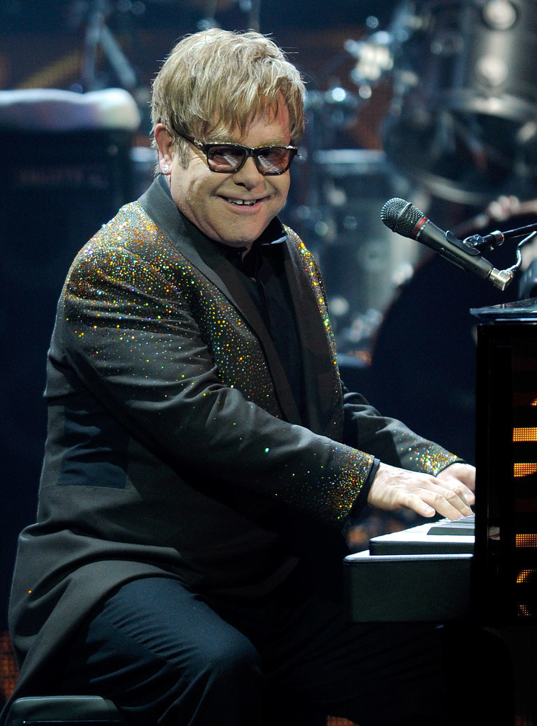 Elton John = Reginald Kenneth Dwight