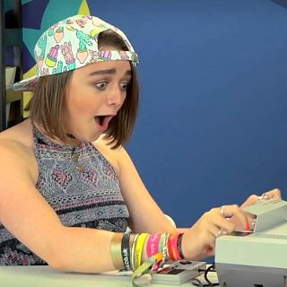 Maisie Williams Reacts to Nintendo NES