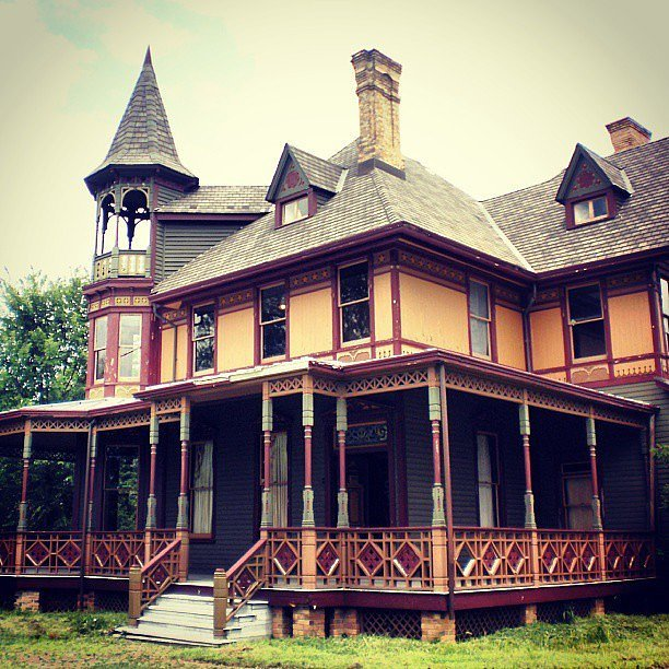 Haunted Places In Usa: The 21 Creepiest Haunted Houses In
