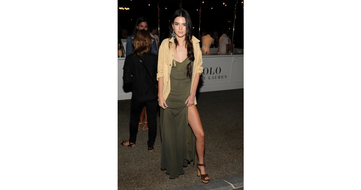 She Gave Angelina Jolie 39 S Leg A Run For Its Money Kendall Jenner Continues Her Fashion Week