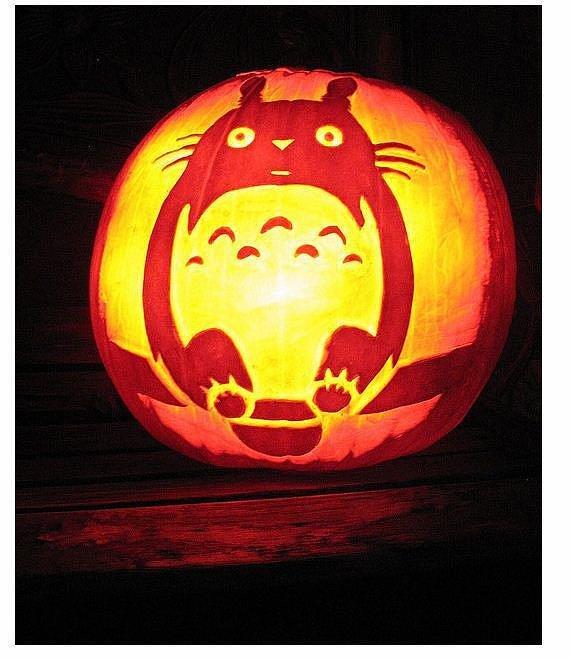 Totoro pumpkin 27 geeky pumpkins to inspire your for Big pumpkin carving patterns