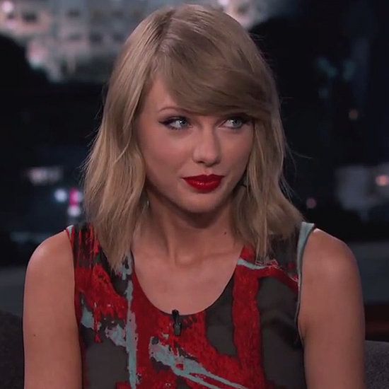 """Taylor Swift """"Out of the Woods"""" Performance On Jimmy Kimmel"""