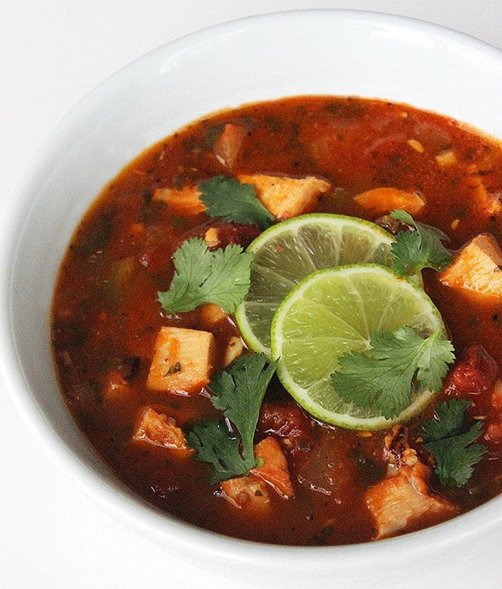 Tortilla less soup warm up with these 300 calorie bowls for 10 calorie soup gourmet cuisine