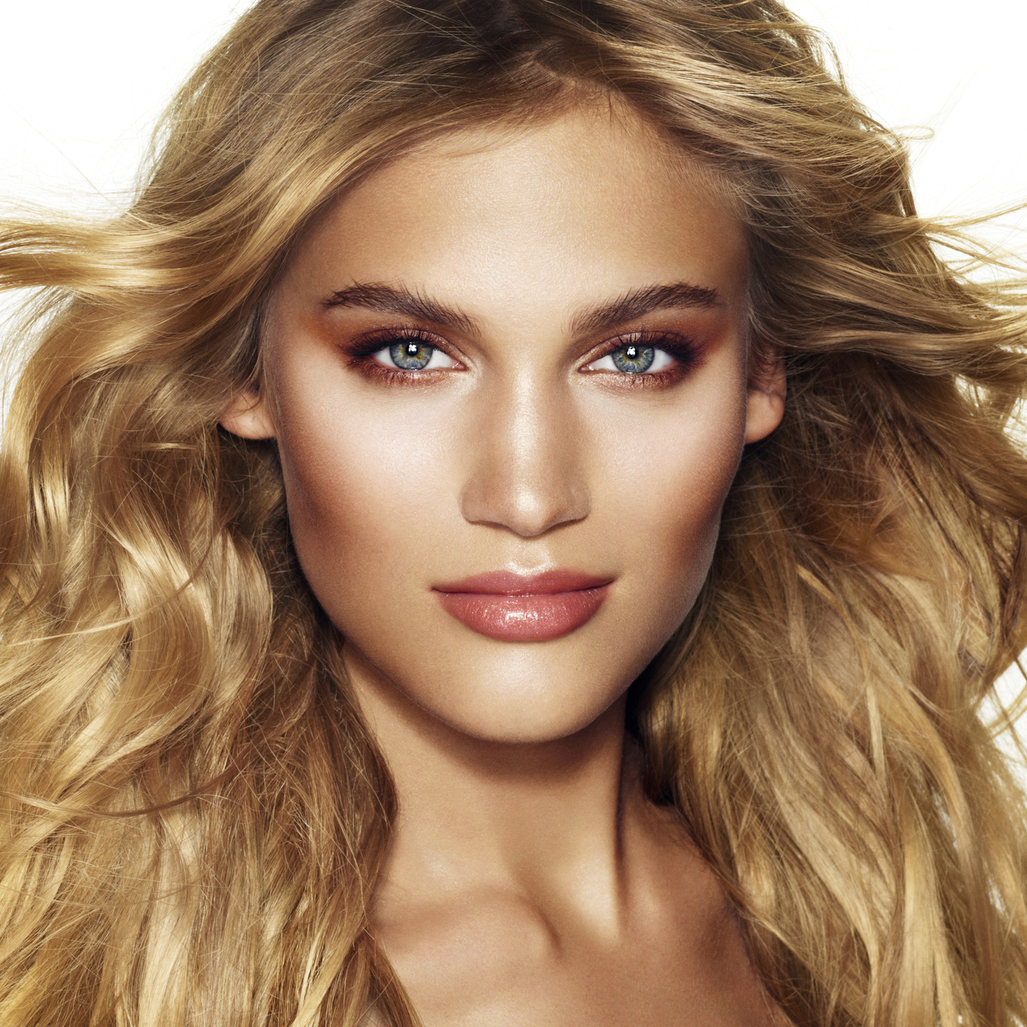 Charlotte-Tilbury-Supermodel-Makeup-Tips.jpg