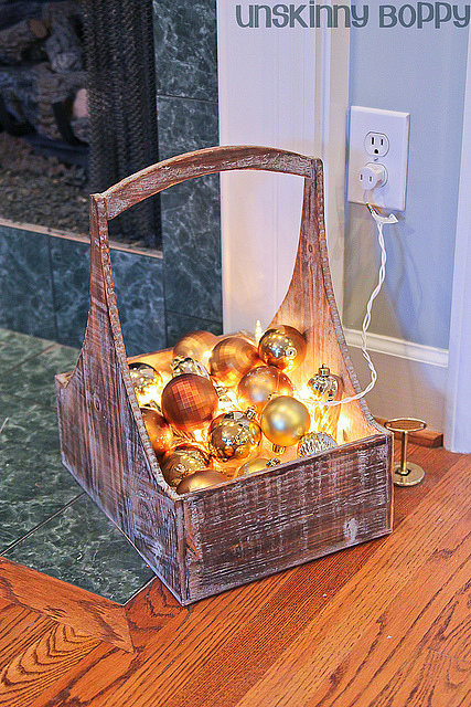 how to make a christmas basket with lights