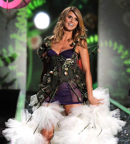 Heidi took her last walk for Victoria's Secret in 2009.
