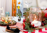 One Table, Two Holiday Settings (13 photos)