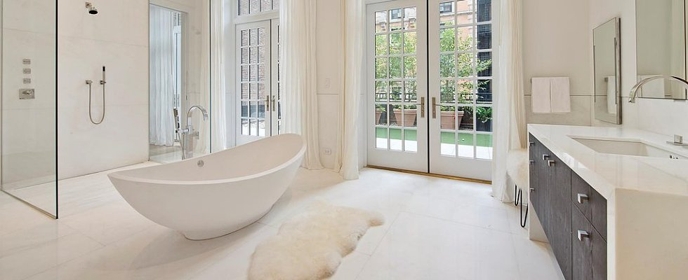 12 Celebrity Bathrooms That Could Double as Luxury Spas