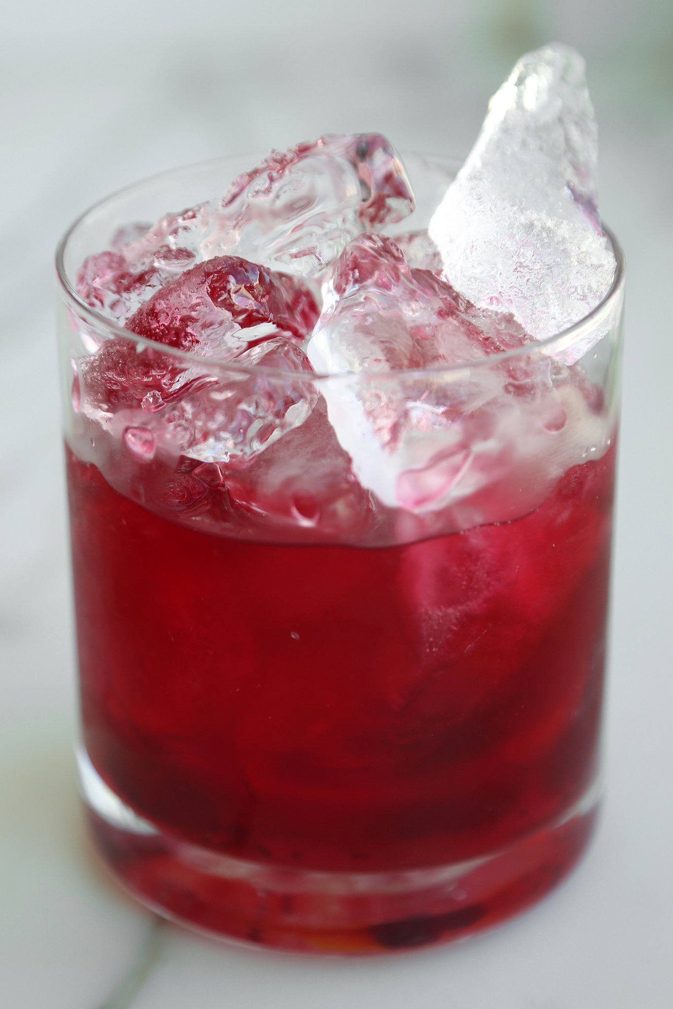 Easy cranberry vodka cocktail recipe popsugar food for Morning cocktails with vodka