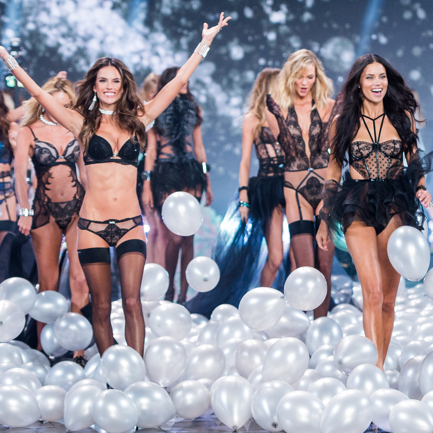 Victoria's Secret Fashion Show 2015 Taylor Swift Style Share This Link