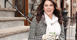Lauren Graham Drinks Wine at Lunch Because It's Christmastime