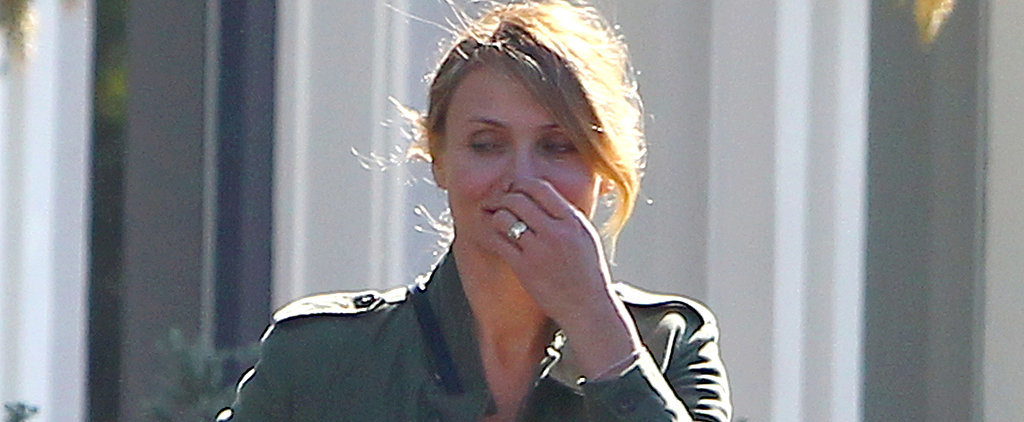 Cameron Diaz Flashes Her Diamond Ring!