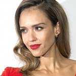 Jessica Alba won't handle bullying the way her parents did
