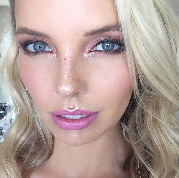 Top Beauty Makeup Tips For Brides And Models: Glamorous Bride Makeup Look Inspiration