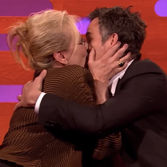 Meryl Streep Kisses Mark Ruffalo | Video