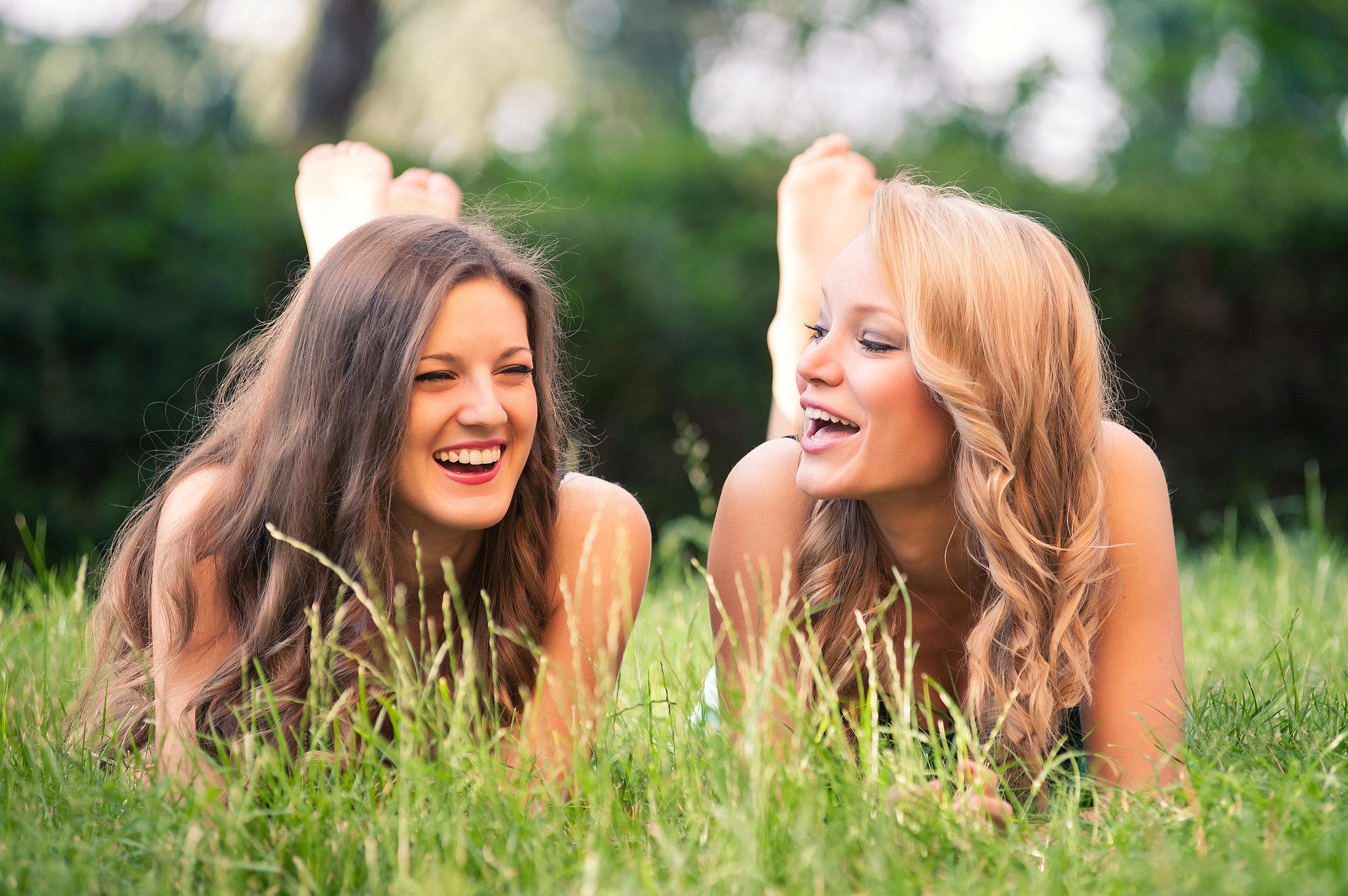 Фото две девочки с красивыми 19 фотография
