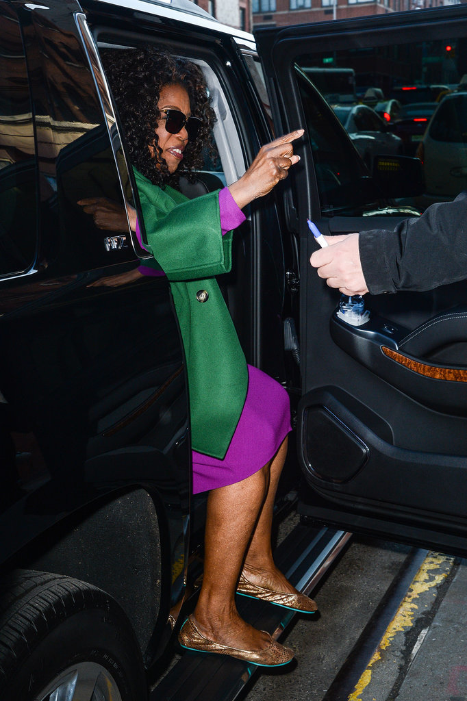 She pointed while exiting her car in NYC in December 2014.