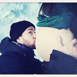 Justin Timberlake Kisses Jessica Biel's Baby Bump | Picture