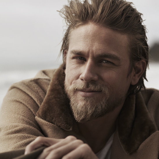 17 Sexy Charlie Hunnam Smirks That Might Seriously Make You Fall in Love