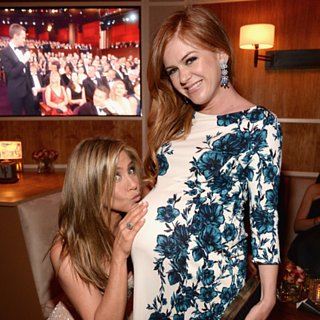 Jennifer Aniston Kissing Isla Fisher's Baby Bump Pictures