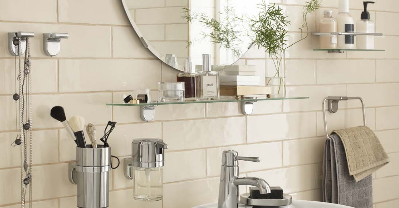Sleek and functional kalkgrund accessories are just what you need to ikea 39 s april 2015 - Mensole vetro ikea ...