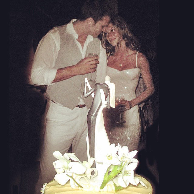 To celebrate her and Tom's sixth wedding anniversary in 2015, Gisele shared a picture taken at their nuptials in 2009.