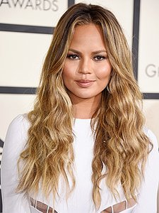 Chrissy Teigen is a Brunette! Do You Like Her New Color?