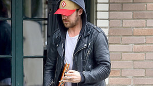 Did Ryan Gosling Get His Daughter's Name Tattooed on His Knuckles?!