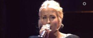 Sarah Connor und andere Superstars ehren Udo Jürgens mit einem emotionalen Auftritt beim Echo
