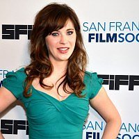 Zooey Deschanel is so sick of her pregnancy diet