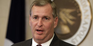 GOP Mayor Of Indianapolis Signs Executive Order Protecting LGBT Community