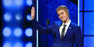 Justin Bieber's Roast Takes A Sentimental Turn At The End