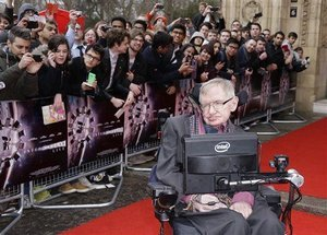 Stephen Hawking Applies to Trademark His Name