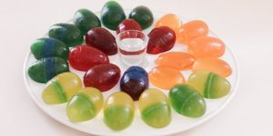 How To Make Boozy Jello Egg Shots For Easter Time (Or Any Time)